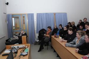 Her holder jeg foredrag for en gjeng videregåendeelever fra Telemark.