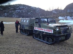 På tur med Grindaheim Røde Kors sin gamle beltebil :)