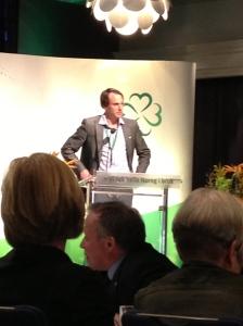 Administrativ nest-sjæf Gunnar Kaus pratet om viktigheten av en EØS-debatt... Og debatt ble det :)