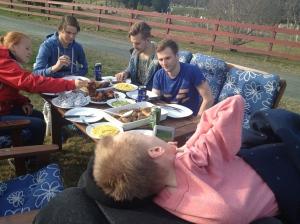 På lørdag hadde jeg litt forsinka bursdagsfest/grillfest, mange gode venner og mye god mat!