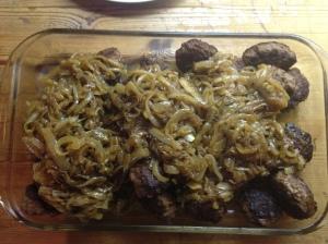 Bestas karbonader klar til servering med løk som er blitt smørsurra i flere timer :)